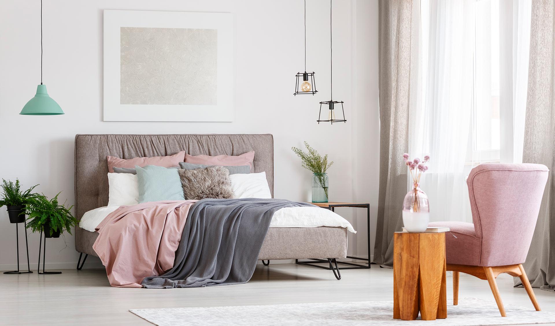 Ahorra en tu factura de luz gracias a la decoración de tu piso